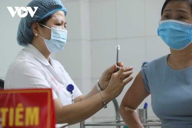 Hoàn thành 13.000 mũi thử nghiệm đầu tiên của giai đoạn 3 vaccine Nano Covax phòng COVID-19 - ảnh 1