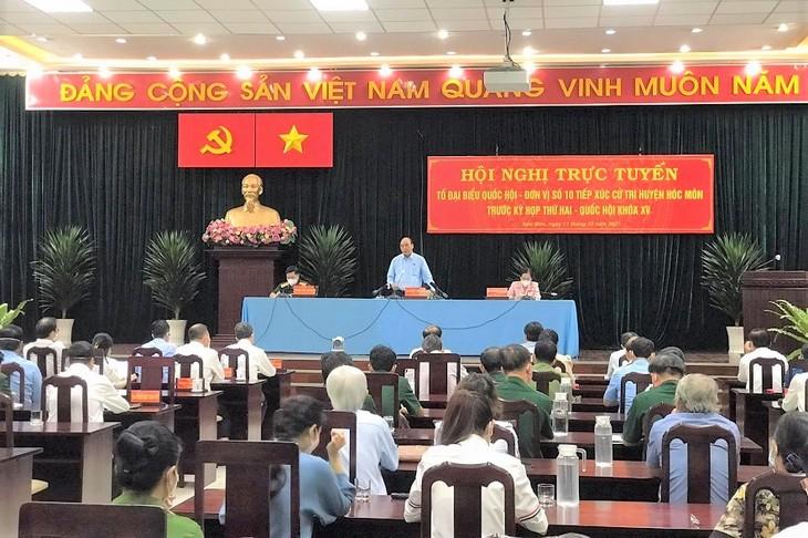 Thành phố Hồ Chí Minh kiểm soát dịch COVID-19 để phát triển kinh tế-xã hội - ảnh 1