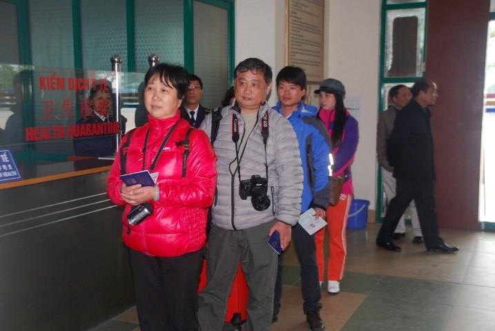 Необходимо создать благоприятные условия для выезда и въезда иностранцев во Вьетнам  - ảnh 1