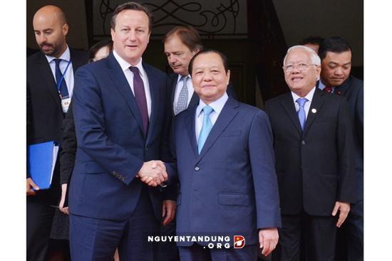 Премьер-министр Великобритании Дэвид Кэмерон посетил город Хошимин - ảnh 1