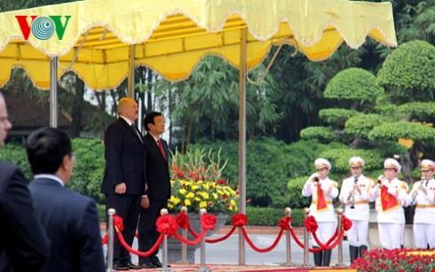 Визит, который поднимает отношения между Вьетнамом и Беларусью на новую высоту - ảnh 1