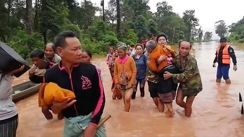 Вьетнам продолжает оказывать Лаосу помощь в ликвидации последствий прорыва плотины ГЭС - ảnh 1