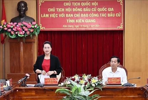 Председатель Нацсобрания Вьетнама Нгуен Тхи Ким Нган провела рабочую встречу с руководящим комитетом провинции Киензянг по подготовке к выборам  - ảnh 1