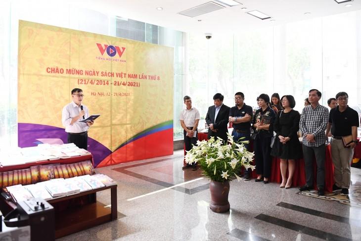 Радио «Голос Вьетнама» открыло Неделю книги 2021  - ảnh 1