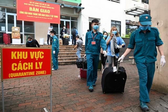 Предлагается не взимать плату за коллективную изоляцию с вьетнамцев, возвращающихся на Родину наземным путём - ảnh 1