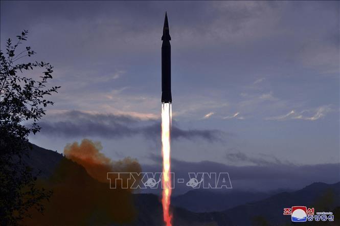 КНДР заявила об испытании новой зенитной ракеты  - ảnh 1