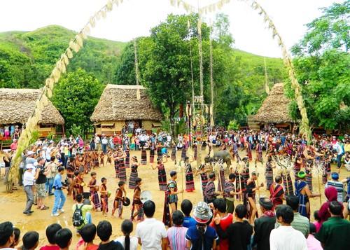 阮春福批准少数民族代表大会举办方案 - ảnh 1