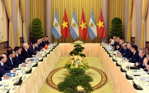 阿根廷总统马克里和夫人对越南进行国事访问 - ảnh 2