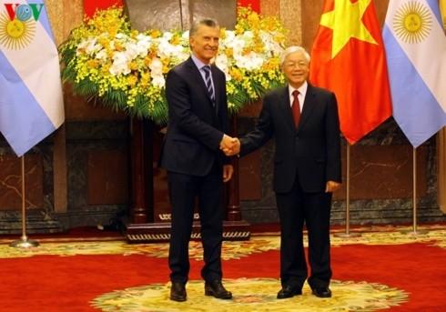 阿根廷总统马克里和夫人对越南进行国事访问 - ảnh 1