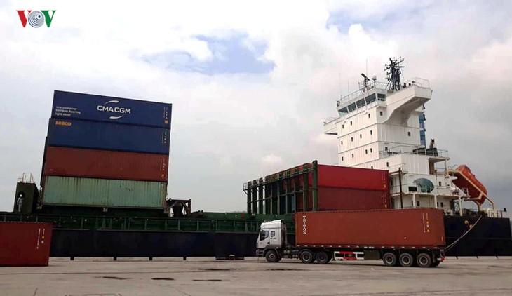 清化省开辟集装箱国际海运航线 - ảnh 1