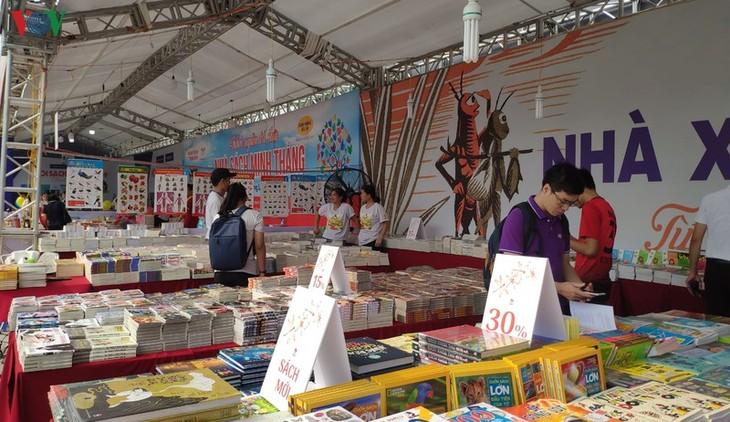 """题为""""河内 – 和平城市""""的第6次河内图书节开幕 - ảnh 1"""