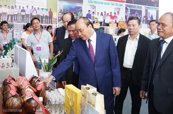 阮春福出席2020年茶荣省投资促进会 - ảnh 1