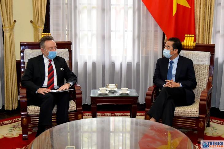 捷克驻越南大使格雷普尔高度评价越南政府的防疫措施 - ảnh 1