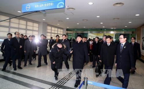 អូឡាំពិក PyeongChang ២០១៨៖ គណៈប្រតិភូរៀបចំកម្មវិធីដំបូងស.ប.បកូរ៉េទៅត្រួតពិនិត្យកន្លែងប្រកួតកីឡា - ảnh 1