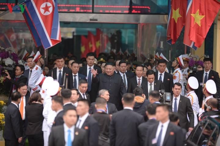 ប្រធាន ស.ប.បកូរ៉េ លោក Kim Jong-un ចាប់ផ្ដើម បំពេញ ទស្សនកិច្ច នៅវៀតណាម - ảnh 1