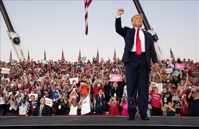ការបោះឆ្នោតអាមេរិកឆ្នាំ ២០២០៖ ការខិតខំប្រឹងប្រែងចុងក្រោយរបស់លោកប្រធានាធិបតី Trump ក្នុងការប្រកួតប្រជែងគ្នាទៅកាន់សេតវិមាន - ảnh 1