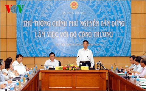 Thủ tướng Nguyễn Tấn Dũng làm việc với Bộ Công thương  - ảnh 1
