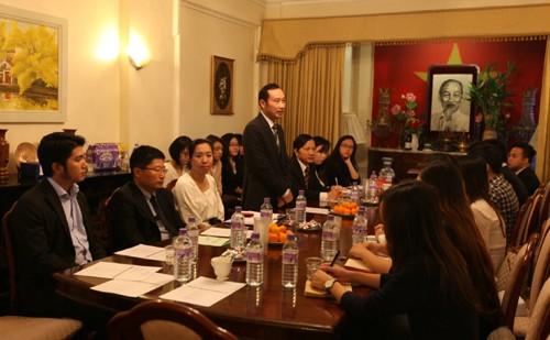 Trí thức người Việt tại Anh mong muốn góp phần xây dựng đất nước - ảnh 1
