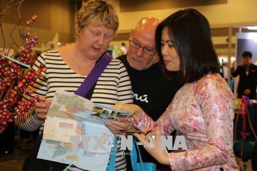 Dấu ấn Việt Nam tại Hội chợ Du lịch Ottawa, Canada - ảnh 1