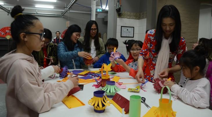 Người Việt tại Australia đón tết Trung thu để gìn giữ và lưu truyền văn hóa truyền thống - ảnh 2