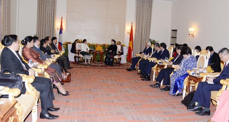 Chủ tịch Quốc hội hội kiến Chủ tịch Quốc hội CHDCND Lào - ảnh 2