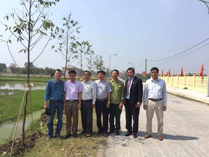 Chung tay trồng cây vì một môi trường xanh - ảnh 1
