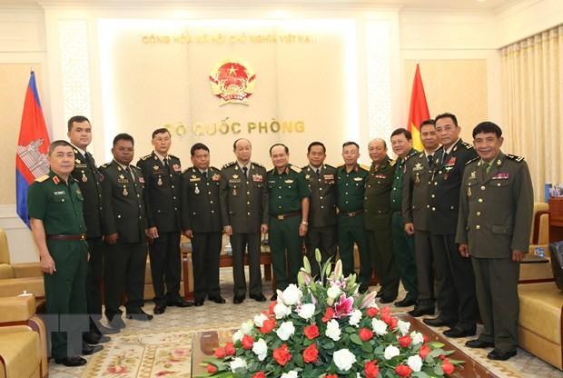 Việt Nam - Campuchia tăng cường hợp tác quốc phòng - ảnh 1