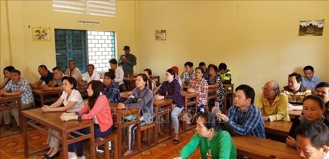 Tổ chức lớp hỗ trợ người gốc Việt có nguyện vọng nhập quốc tịch Campuchia           - ảnh 1