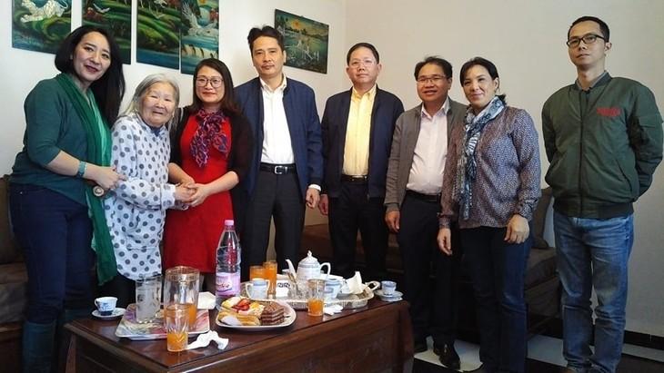 Đại sứ quán Việt Nam thăm hỏi cộng đồng người Việt tại Alger - ảnh 1