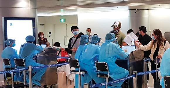 Khai báo y tế điện tử bắt buộc trên các chuyến bay nội địa - ảnh 1