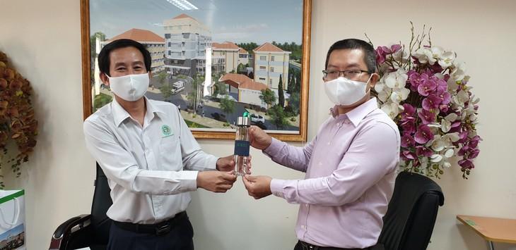 Hội chuyên gia, trí thức Việt Nam-Hàn Quốc hỗ trợ y, bác sĩ đẩy lùi đại dịch Covid-19 - ảnh 3