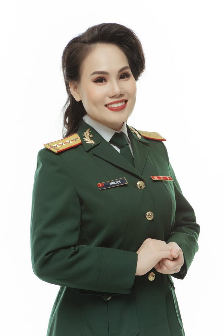 Ca sĩ Cẩm Tú: Hát về Chủ tịch Hồ Chí Minh với lòng kính yêu vô bờ - ảnh 2