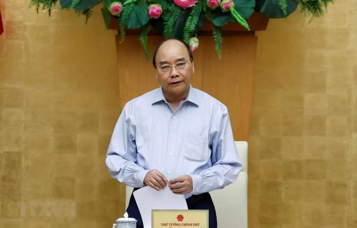 Thủ tướng Nguyễn Xuân Phúc chỉ đạo kiên quyết dập dịch Covid-19 - ảnh 1