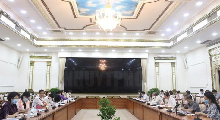 Đẩy nhanh tiến độ xây dựng các thiết chế văn hóa trọng điểm tại Thành phố Hồ Chí Minh - ảnh 1
