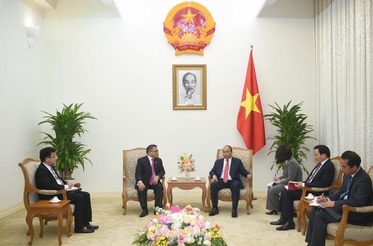 Thủ tướng Nguyễn Xuân Phúc tiếp Đại sứ Philippines - ảnh 1