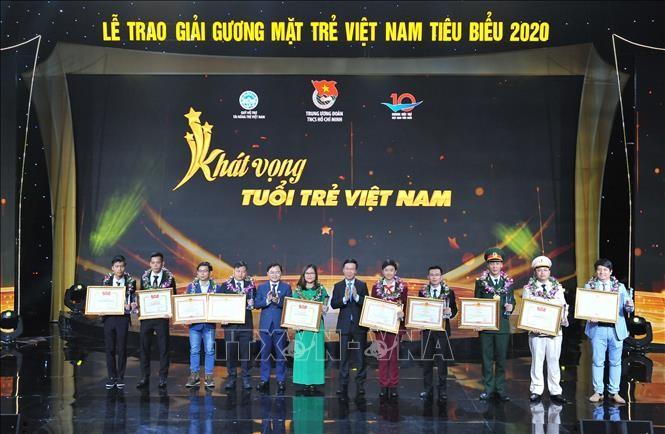 Thường trực Ban Bí thư Võ Văn Thưởng: Chắp cánh cho tài năng trẻ Việt Nam bay cao - ảnh 2