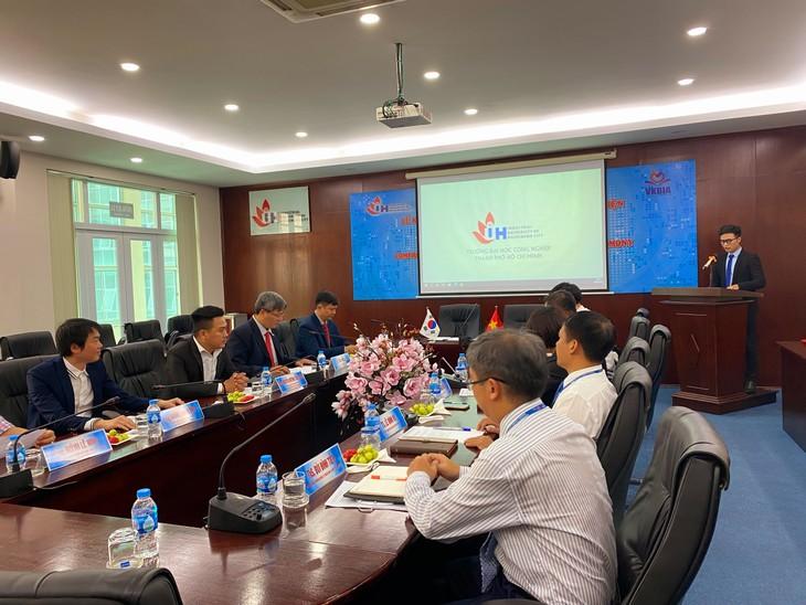 Liên kết giáo dục và đào tạo nhằm phát triển nguồn nhân lực chất lượng cao tại Thành phố Hồ Chí Minh - ảnh 2