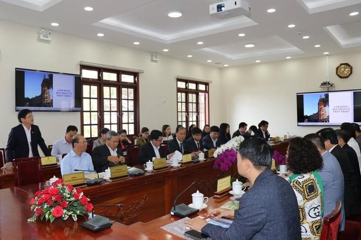 Vinh danh tập thể, cá nhân có thành tích xuất sắc về công tác người Việt Nam ở nước ngoài giai đoạn 2018 - 2020 - ảnh 1