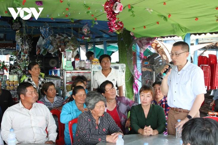 Đại sứ quán Việt Nam tại Campuchia luôn sát cánh cùng bà con trong đại dịch Covid-19 - ảnh 1