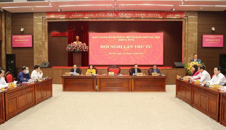 Thành ủy Hà Nội thông qua Nghị quyết về xây dựng nâng cao đội ngũ cán bộ - ảnh 1