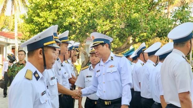 Đoàn công tác số 4 hoàn thành chuyến thăm huyện đảo Trường Sa và Nhà giàn DK1/8 - ảnh 1