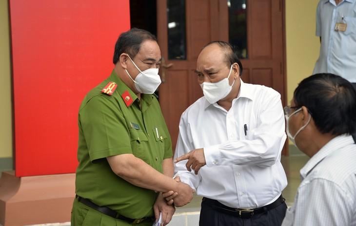 Chủ tịch nước Nguyễn Xuân Phúc: Đại biểu Quốc hội phải góp phần nâng cao đời sống nhân dân - ảnh 2