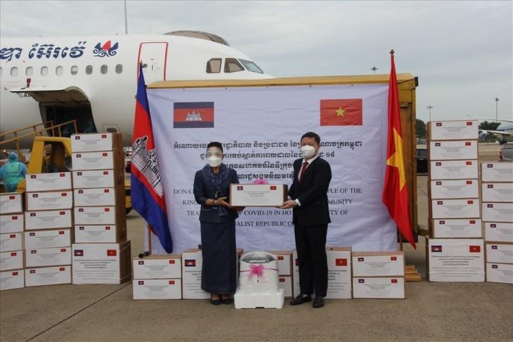 Sự giúp đỡ của Campuchia cho Việt Nam trong đợt dịch minh chứng cho tình hữu nghị, đoàn kết, truyền thống giữa hai nước - ảnh 1