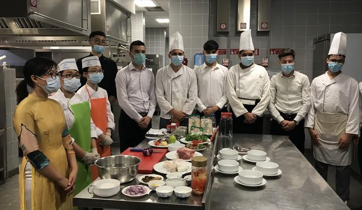 Giao lưu ẩm thực Việt Nam - Algeria: Tăng cường sự hiểu biết về văn hóa du lịch - ảnh 1