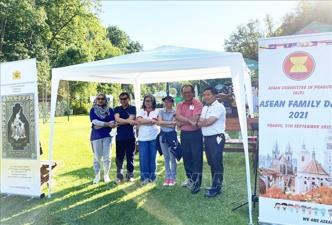 Ngày gia đình ASEAN năm 2021 tại Cộng hòa Czech - ảnh 1