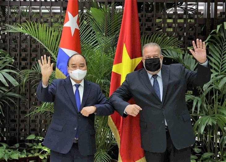 Chủ tịch nước Nguyễn Xuân Phúc đề nghị Cuba chuyển giao công nghệ sản xuất vaccine ngừa COVID-19 - ảnh 1