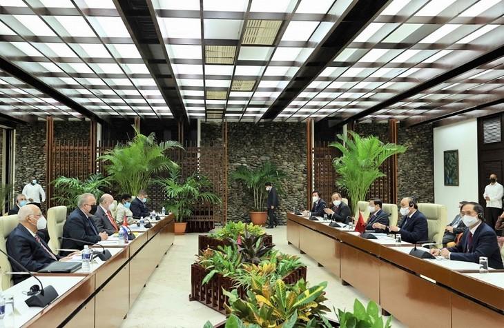 Chủ tịch nước Nguyễn Xuân Phúc đề nghị Cuba chuyển giao công nghệ sản xuất vaccine ngừa COVID-19 - ảnh 2