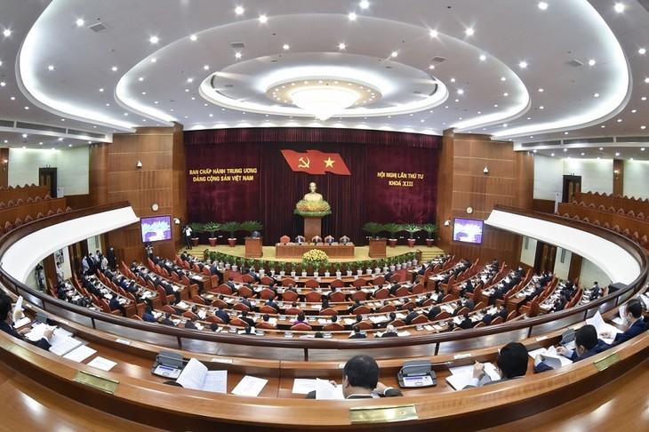 Ngày làm việc thứ hai của Hội nghị lần thứ tư Ban Chấp hành Trung ương Đảng khoá XIII - ảnh 1