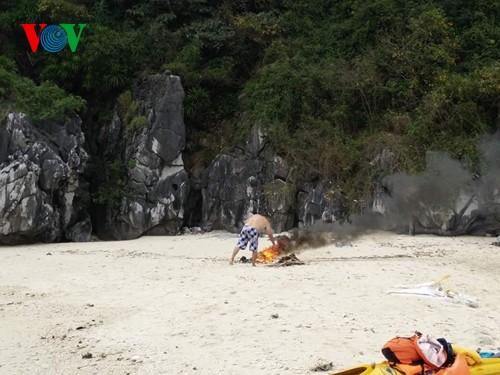 Русские туристы очистили от мусора побережье острова Катба - ảnh 3