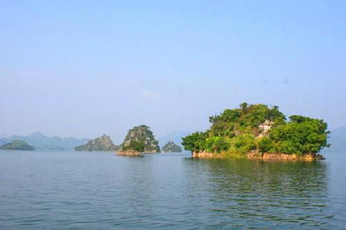 Долина Тхунгнай – залив Халонг посреди гор в Северо-Западном регионе Вьетнама - ảnh 2